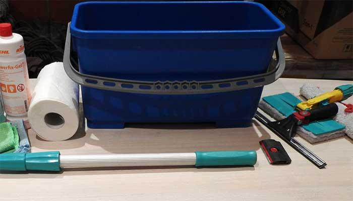 Инструменты для мытья окон