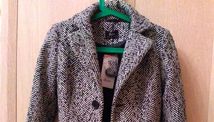 Правильная чистка твидового пальто