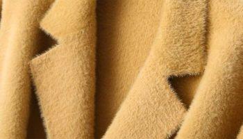 Как правильно постирать шерстяное пальто в домашних условиях