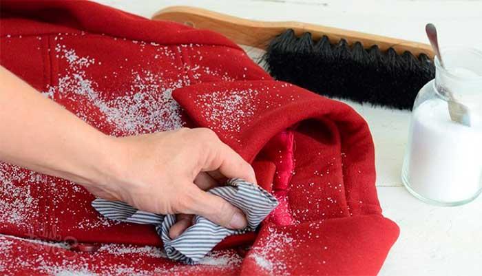 Сухая чистка шерстяного пальто