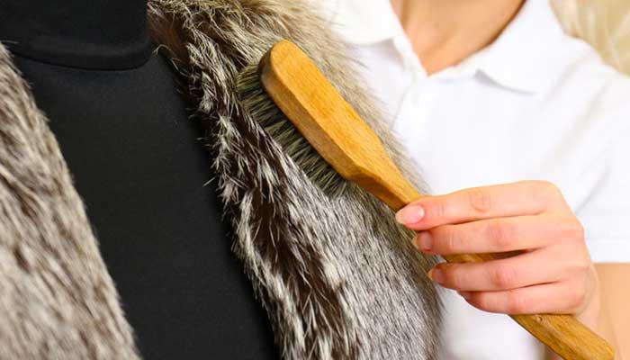 Вычёсывание меха шубы