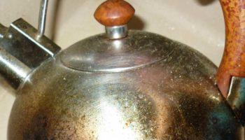 Как отмыть чайник снаружи от жира и нагара — лучшие методы
