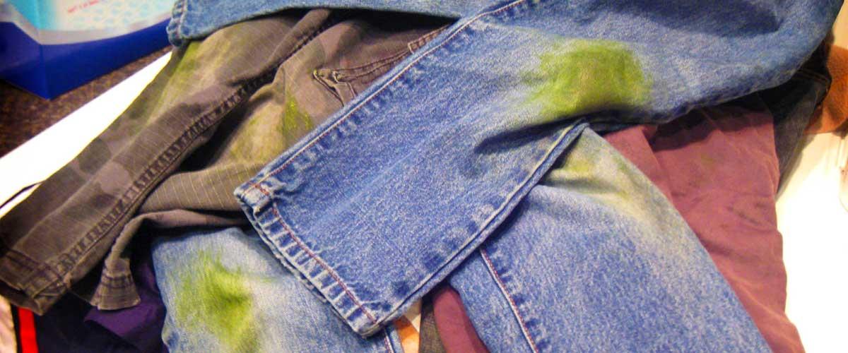 Чем отстирать траву на джинсах и быстро вывести зелень