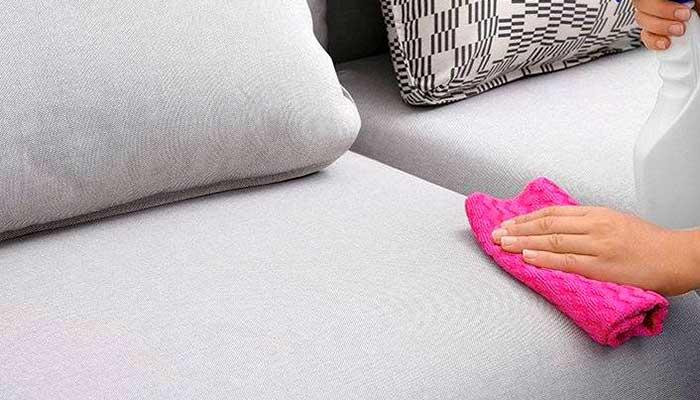 Чистка светлого дивана