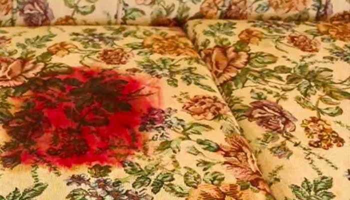 Отмывание крови с дивана